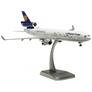 Model MD11 Lufthansa CARGO Human Care